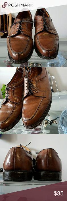 Preowned Wilbert Allen Edmonds lace shoes sz 10D Plz see Pics!!! Shoe is worn but pictures shows majority of wear. Brown lace shoes but with some tlc can bring life back Allen Edmonds Shoes