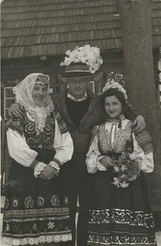 Ždiar, Slovakia Folk Costume, Costumes, Folk Clothing, Extraordinary People, World Cultures, Old Photos, Vintage Art, Poland, Decoupage