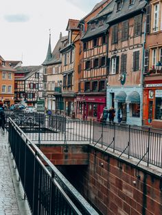 Un week-end à #Colmar en #Alsace. Alsace, Hotel Restaurant, Blog Voyage, Week End, Street View, Europe, Small Terrace, Wall Stud, The Neighborhood