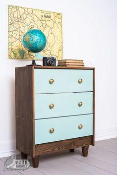 IKEA-bútor festése házilag: IKEA-hack-sorozat, 2. rész | Azúr Bagoly Milk Paint, Modern Dresser, Dresser As Nightstand, Furniture Makeover, Wood Projects, Decoupage, Cool Stuff, Diy Stuff, Owl