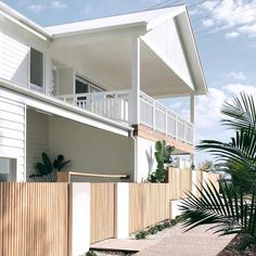 I've died and gone to house heaven is only an hour from my place but I will definitely be booking a stay or two at this… Exterior Design, Interior And Exterior, Australia House, Beach Cottage Decor, Cottage Chic, Dream Beach Houses, Facade House, House Exteriors, Hamptons House