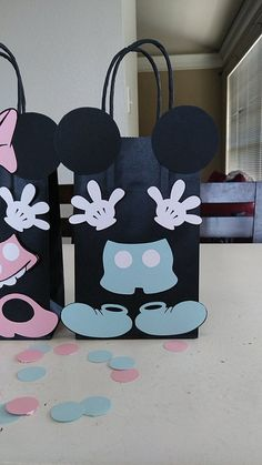 Set of 10 Mickey and Minnie Mouse Baby Shower/ Birthday Party (Set of Favors/ Bags/ Goodie/ Goody/ Gifts/ Treat Bags/ Decoration Mickey Y Minnie, Mickey Party, Elmo Party, Dinosaur Party, Mickey Mouse Baby Shower, Baby Mouse, Gender Reveal Decorations, Baby Shower Decorations For Boys, Mickey Mouse Birthday
