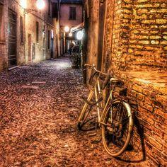 Via delle Volte, Ferrara - Instagram by vincenzodangelo9693
