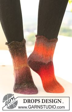 "DROPS 122-24 - DROPS Socks in ""Delight"" with zigzag pattern - Free pattern by DROPS Design"