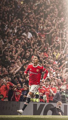 Manchester United Ronaldo, Cr7 Wallpapers, Manchester United Wallpaper, Cristiano Ronaldo 7, Football Players, Messi, The Unit, Sports, Soccer