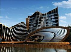 La textura le da personalidad a la arquitectura, haciendo que esta se destaque, o se compenetre con el contexto.