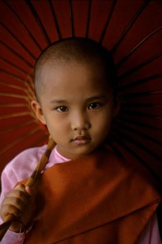 Child portrait by Steve McCurry. ~ETS #beautifulchildren #tibet #anthropology