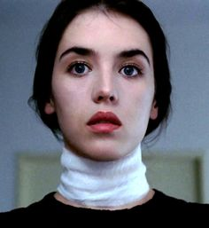 "Isabelle Adjani en ""La Posesión"" (Possession), 1981 Isabelle Adjani, Pretty People, Beautiful People, Advanced Higher Art, Film Story, French Movies, Famous Movies, French Beauty, French Actress"