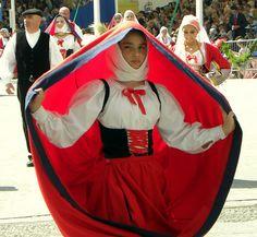 Sardegna costume di Usini #TuscanyAgriturismoGiratola