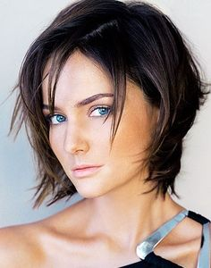 Best Bob Hair Styles for Fine Hair.... Love the colour but also her eyes.... should I go blonde, brunnette or chunky both??? help! #hair