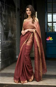 Ethnic Saree Design hhh Source by abdesignsindia Ethnic Sarees, Indian Sarees, Indian Dresses, Indian Outfits, Formal Saree, Saree Trends, Saree Photoshoot, Simple Sarees, Stylish Sarees
