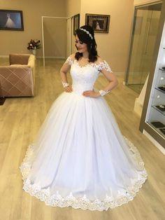 Wedding gown в 2019 г. Wedding Dress Organza, Wedding Dress Sleeves, Wedding Dress Styles, Dream Wedding Dresses, Tulle Dress, Wedding Gowns, Ivory Bridesmaid Dresses, Bridal Dresses, Ball Gown Dresses