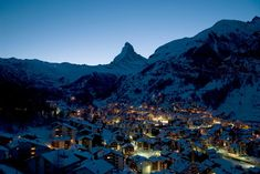 Zermatt in Switzerland, with the beautiful Matterhorn mountain behind.. http://fotosmundo.net/matterhorn-montana-bella