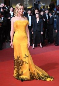 ss04-Kirsten-Dunst-cannes-red-carpet-best-dressed-2016-day-10