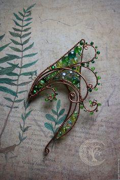 hand made fern ear cuffs from russia Ear Jewelry, Cute Jewelry, Jewelry Crafts, Jewelery, Jewelry Accessories, Jewelry Making, Bijoux Wire Wrap, Elf Ear Cuff, Ear Cuffs