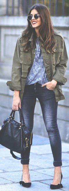 ❤ Military green utility jacket, light blue T-shirt, faded skinny jeans, black handbag & shoes