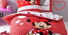 Lenjerie de pat Disney - Adorable Minnie - http://www.outlet-copii.com/outlet-copii/magazine-copii/lenjerie-de-pat-disney-adorable-minnie/ -  Lenjeria de pat cu imprimeu Adorable Minnie este confectionata din 100% bumbac si se potriveste perfect in dormitorul fetitiei tale, mai ales daca este foarte pasionata de personajele Disney. Aceasta contine un cearceaf pilota 140 x 200 cm si o fata de perna 60 x 80 cm.  Extraordinarele povesti Disney fac copilaria mai frumoasa si mai c