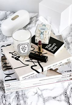 How to Quiet Your Mind and Regain Balance - North Tutorial and Ideas Love Style Life, Flat Lay Inspiration, Casa Clean, Perfume, Poses, Decoration, At Least, Mindfulness, Place Card Holders