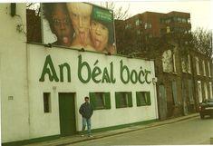 Dublin Pubs, Dublin Street, Dublin City, Dublin Ireland, Old Pictures, Old Photos, Images Of Ireland, Irish Culture, Vintage Restaurant