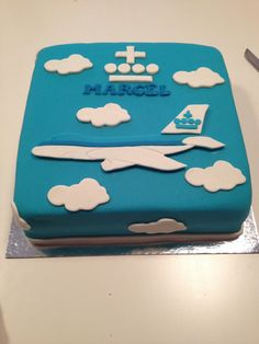 Vliegtuig Taart On Pinterest Planes Cake 3d Cakes And Lego Cupcakes