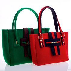 Red and Black felt tote bag di MuMuAccessories su DaWanda.com