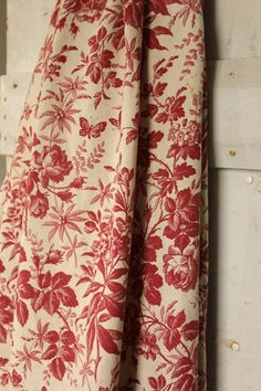 Antique French toile de Jouy fabric material ~ curtain ~ Lovely butterfly / butterflies with roses and foliage design ~ beautifully aged, shabby chic tones ~*~