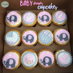 Cupcakes de Baby Shower para Niña en Medellín por Dulcepastel.com #babyshowercupcakes #baby #bebe #tortasmedellin #tortaspersonalizadas #tortastematicas #cupcakesmedellin #tortasartisticas #tortasporencargo #tortasenvigado #reposteriamedellin #reposteriaenvigado #redvelvet #redvelvetcake
