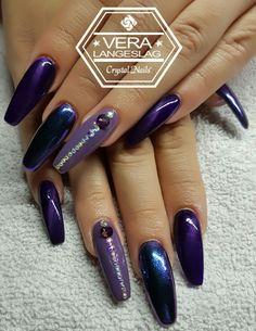 #crystalnails #veralangeslag #nagelstudiopink #arnhem #crystalac #nailart #nails #salonnailart #mirrornails #purple #tigereye