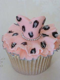Leopard Print Glamour cupcakes