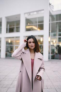 the perfect pink maxi coat. style it like a fashion blogger - on marybeniga.com