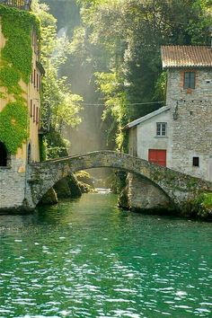 comfortable haven in the greenery.. Nesso..Italy.. 푸르름에 편안한 안식처.. 이탈리아 네소..