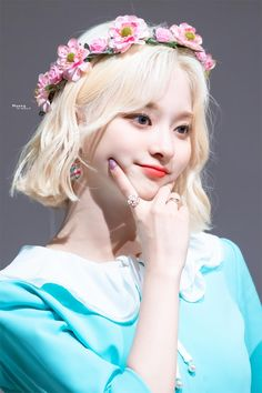 "Moong! on Twitter: ""190721 합정 아르떼홀 팬사인회 이나경  #프로미스나인 #이나경 #fromis_9… "" Cute Korean, Korean Girl, Sparkling Eyes, Ariana Grande Wallpaper, Korean Star, Ulzzang Girl, Kpop Girls, Girl Group, My Girl"
