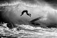 Recently, I stumbled upon a beautiful coffee table book of surfing photos by LeRoy Grannis. The book is called LeRoy Grannis : Surf Photo. Water Photography, Artistic Photography, Photography Ideas, Vintage Surfing, Black And White Beach, California Surf, Windsurfing, Black And White Photography, Things To Come