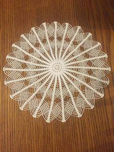 Crochet Art: Crochet Doilies P - Salvabrani Crochet Art, Cotton Crochet, Crochet Home, Crochet Braids, Free Crochet, Lace Doilies, Crochet Doilies, Crochet Stitches, Doily Patterns