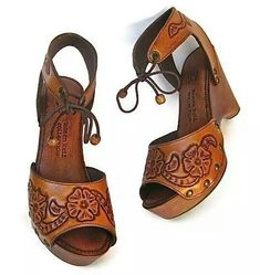 Love these tooled heels