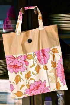Fold Up Tote Tutorial - nice bag to keep handy for shopping or library trips. Rolls up to store in purse or backpack.