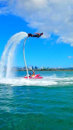 Explore the waters of Seattle in a whole new way! AV Water Sports offers flyboarding, waterskiing, wakeboarding, and innertubing experiences.