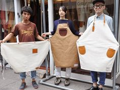 Belt neck aprons with leather pockets  Super simple, super sweet