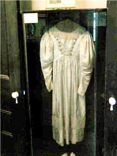 Haunted Object--The Wedding Dress, A dress that dances.