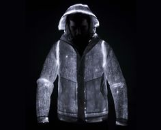 The LED Jacket of Italian design brand Nemen | Optical fibers are woven into the fabric, thereby creating an area that is entirely lit by a set of 12 integrated LEDs powered by two rechargeable lithium batteries that provide 8 hours.