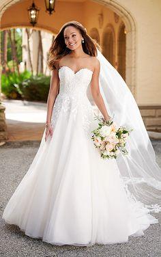 Wedding Dress Pictures, 2015 Wedding Dresses, Princess Wedding Dresses, Designer Wedding Dresses, Bridal Dresses, Gown Wedding, Lace Wedding, Stella York Bridal, Vows Bridal