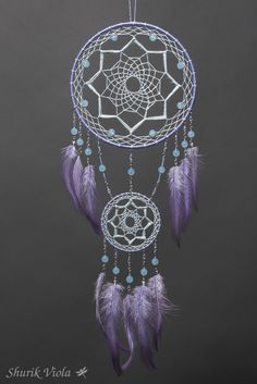 Love this purple Dream Catcher Purple Dream Catcher, Dream Catcher Art, Sun Catcher, Dreamcatcher Crochet, Los Dreamcatchers, Beautiful Dream Catchers, Diy And Crafts, Arts And Crafts, String Art