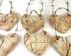 Zeigen Sie, dass Sie die Natur mit dieser Natur Herz Ornament lieben. Durch Prägung die interessantesten Blätter, die ich finden konnte dann in