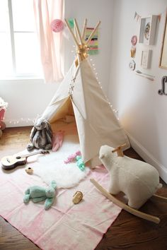 Tendencia.....Un Tipi en la habitación Infantil http://www.icono-interiorismo.blogspot.com.es/2015/05/tendenciaun-tipi-en-la-habitacion.html