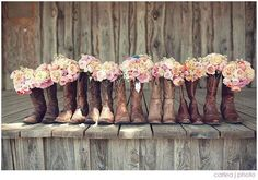 I'm absolutely going to have a country wedding when I get married:)