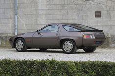 Porsche 928 S    | Drive a Porsche @ http://www.globalracingschools.com