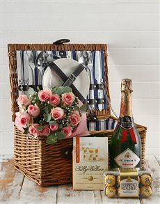 Perfect gourmet picnic baskets Gifts , Netflorist offers a range of gourmet picnic baskets Gifts. Order today on South Africas Largest same day delivery Service. Same Day Delivery Service, Gift Delivery, Gift Hampers, Gift Baskets, Indoor Picnic Date, Great Date Ideas, Gourmet Gifts, Champagne Bottles, Chocolates