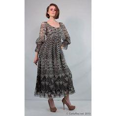 Oscar de la Renta Boutique silk organza gown by CarlaAndCarla,