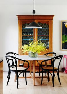 Awesome Round Dinning Table Design Ideas - Page 48 of 70 Design Blog, The Design Files, Deco Design, Küchen Design, House Design, Design Ideas, Chair Design, Design Projects, Round Dinning Table