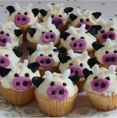 Cute cow cupcakes